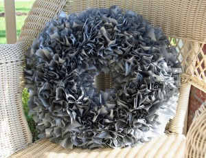 plastic tablecloth wreath fall craft ideas
